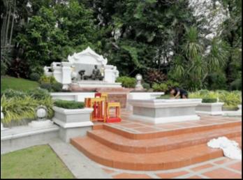สำนักศิลปะฯ จัดเตรียมสถานที่ ดอกไม้ และพานพุ่ม ในงานพิธีบวงสรวงและบำเพ็ญกุศลทักษิณานุปทาน ถวายแด่สมเด็จพระนางเจ้าสุนันทากุมารีรัตน์ พระบรมราชเทวี