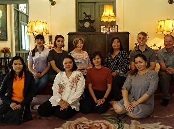 สำนักศิลปะและวัฒนธรรม นำทีมบุคลากร ต้อนรับ ผู้ช่วยศาสตราจารย์สิริอร จำปาทอง ผู้อำนวยการศูนย์การศึกษาและฝึกอบรมอาเซียน และคณะตัวแทนจาก Baptist Student Center จำนวน 6 ท่าน