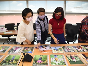 The Director of OAC Attends to Select the Winning of Thai Custom Photo Contest